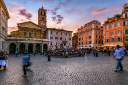 Piazza di Santa Maria dans le Transtevere, Rome, Italie