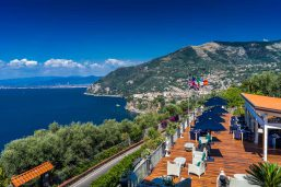 Vue aérienne, terrasse, Torre Barbara, Sorrente, Naples