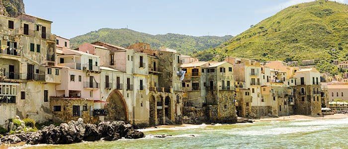 Port de Cefalu en Sicile, voyage dans le nord de la Sicile