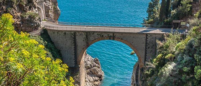 la Côte Amalfitaine en voiture