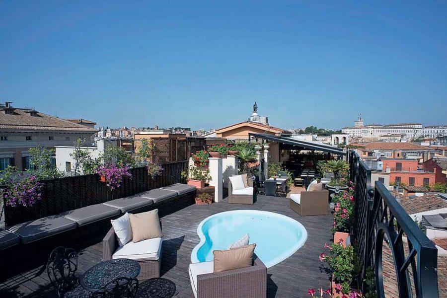 Terrasse Rooftop, Hôtel Colonna Palace, Rome, Italie.