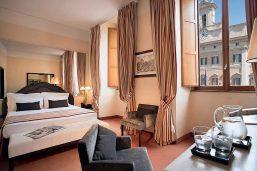 Classic Double room  avec Vue Montecitorio, Hôtel Colonna Palace, Rome, Italie.
