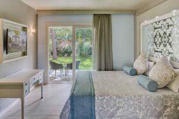 Bungalow deluxe, partie hôtel Le Palme, Forte Village Resort, Sardaigne