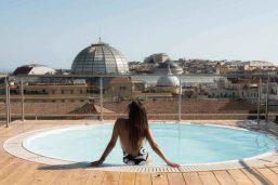 Solarium, Renaissance Naples Hotel Mediterraneo, Naples, Italie
