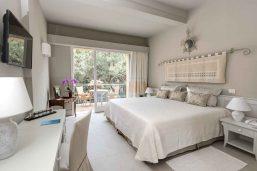 Chambre supérieure côté jardin, Il Castello, Forte Village Resort, Sardaigne