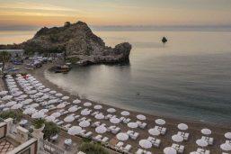 Plage, hôtel Grand Hotel Mazzarò Sea Palace, Taormine, Sicile, Italie