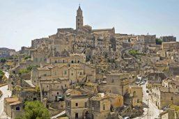 Maisons et église de Matera, Basilicate, Italie
