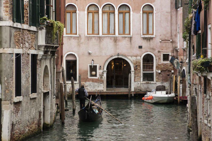Façade côté canal, hôtel All'Angelo, Venise, Vénétie, Italie