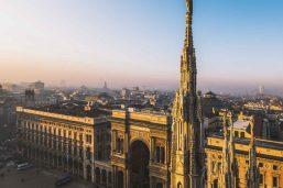 Vue depuis le Duomo sur la galerie Vittorio Emanuele II, Milan