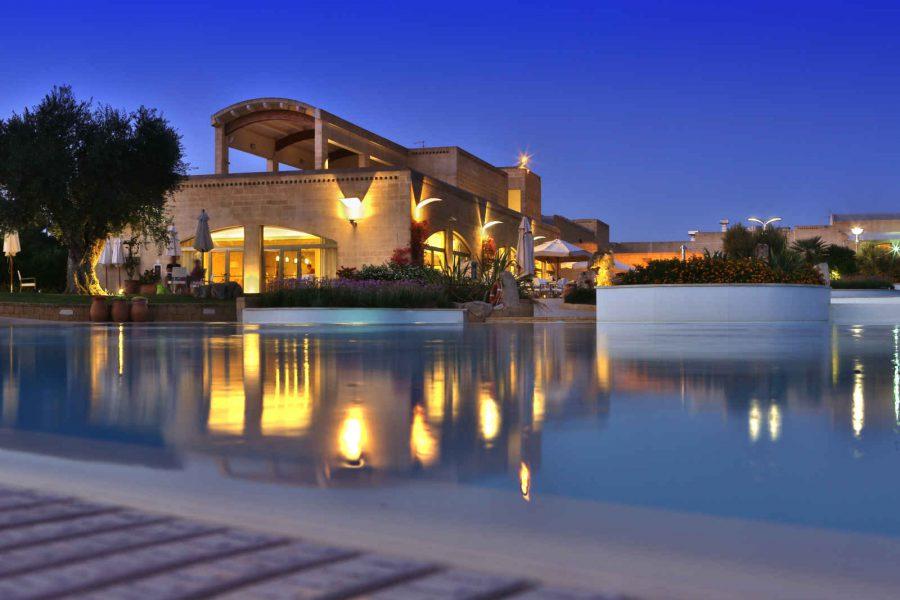 Piscine, hôtel Vivosa Apulia Resort, Pouilles, Italie