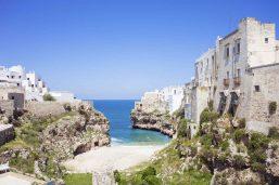 Petite plage de Polignano a Mare, Pouilles, Italie
