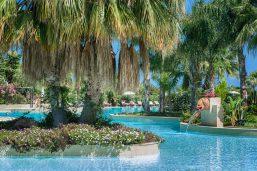 Piscine, hôtel Acacia Resort