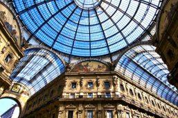 Vue sur la coupole de la galerie Vittorio Emanuele II, Milan, Italie