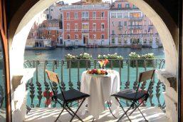 Balcon, Palazzo Barbarigo Sul Canal Grande, Venise, Italie
